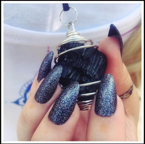 Pixee Pea - Black Tourmaline